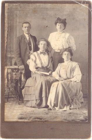 Chandonnet siblings circa 19100001 (Small)